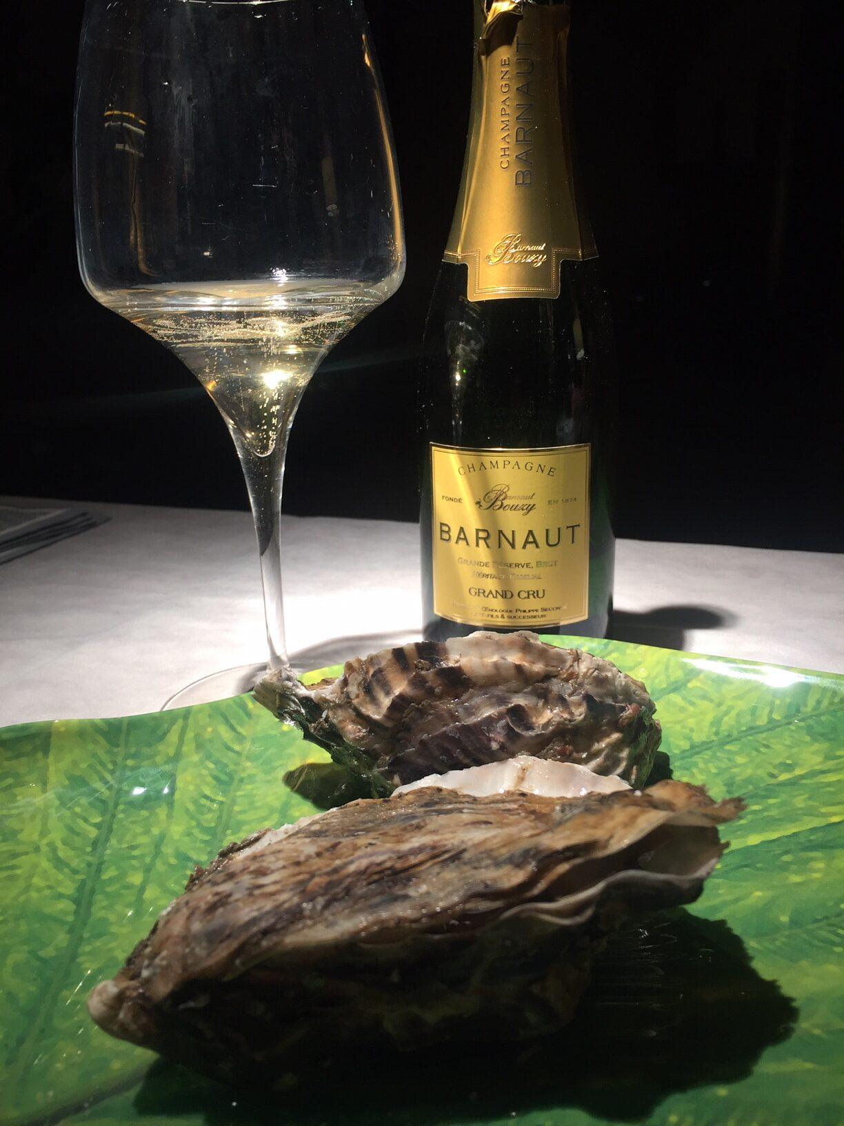 Piatto con ostriche e champagne Barnaut grand reserve